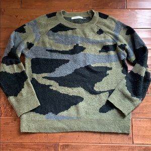 Mustard Seed Camo Sweater M